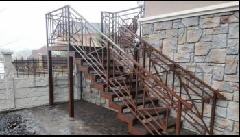 Лестница с использованием ДПК ступеней DeckWOOD