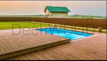 Террасная доска у бассейна – безопасность, надежность и красота